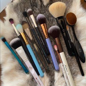13 piece makeup brush set